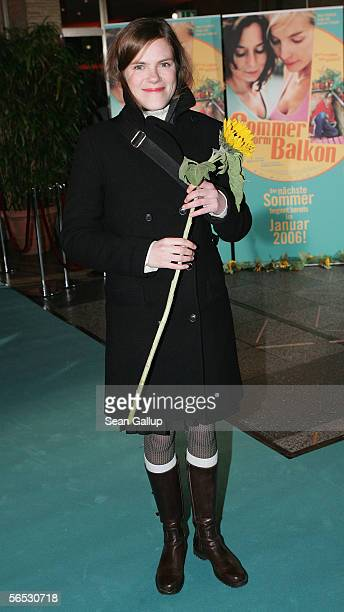Actress Fritzi Haberlandt arrives for the premiere of the new German comedy film Sommer vorm Balcon January 5 2006 in Berlin Germany