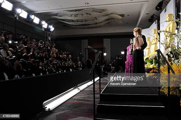 Actress Gabourey Sidibe editor Mark Sanger director Alfonso Cuaron winners of Best Achievement in Editing and actress Anna Kendrick poses in the...