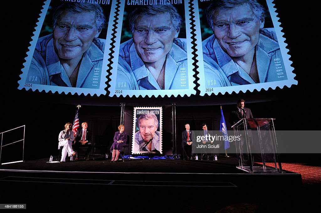 2014 TCM Classic Film Festival - Postage Stamp Ceremony : News Photo