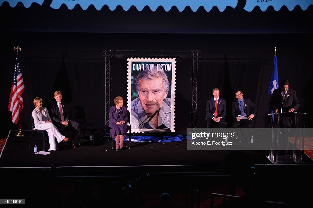 2014 TCM Classic Film Festival - Postage Stamp Ceremony : News Photo