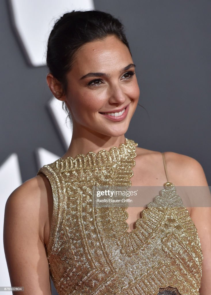 Actress Gal Gadot arrives at the premiere of Warner Bros. Pictures' 'Justice League' at Dolby Theatre on November 13, 2017 in Hollywood, California.