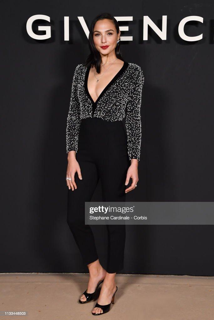 Givenchy : Front Row - Paris Fashion Week Womenswear Fall/Winter 2019/2020 : News Photo