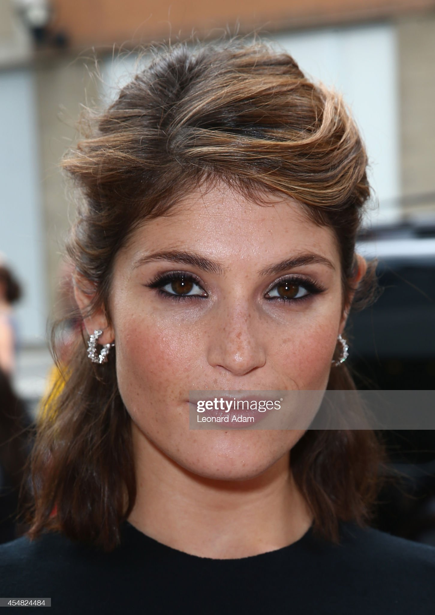 actress-gemma-arterton-attends-the-gemma-bovery-premiere-during-the-picture-id454824484