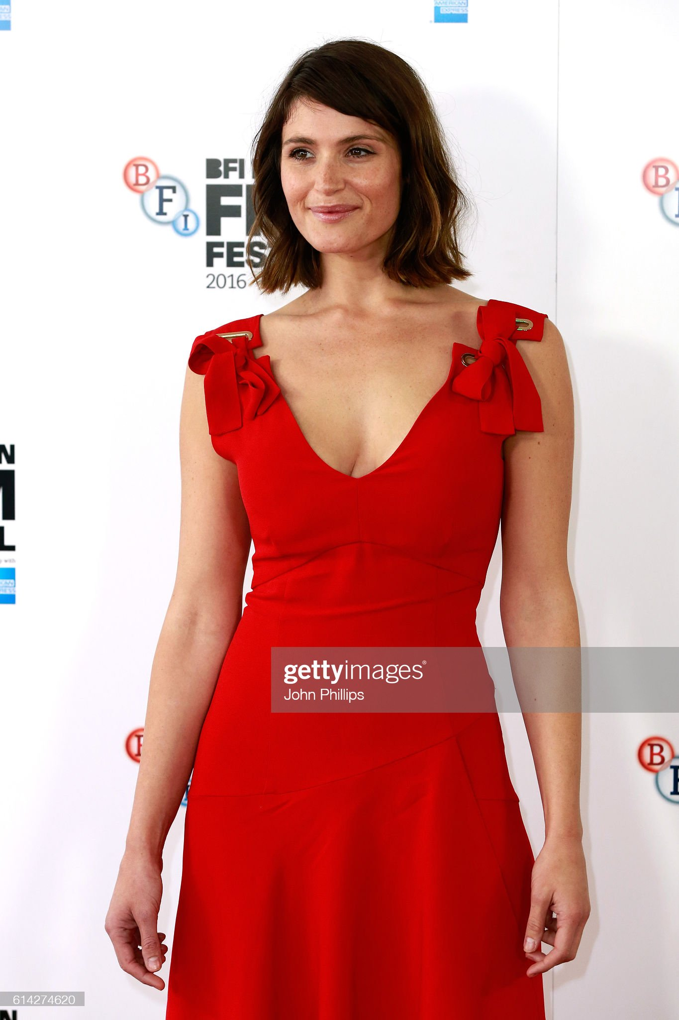 actress-gemma-arterton-attends-their-finest-photocall-during-the-60th-picture-id614274620
