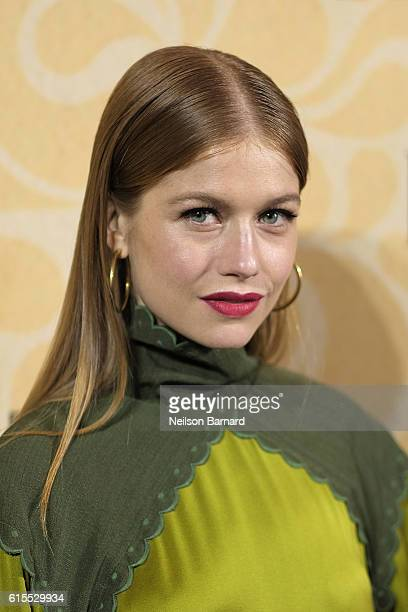 Actress Genevieve Angelson attends the Good Girls Revolt New York Screening at the Joseph Urban Theater at Hearst Tower on October 18 2016 in New...