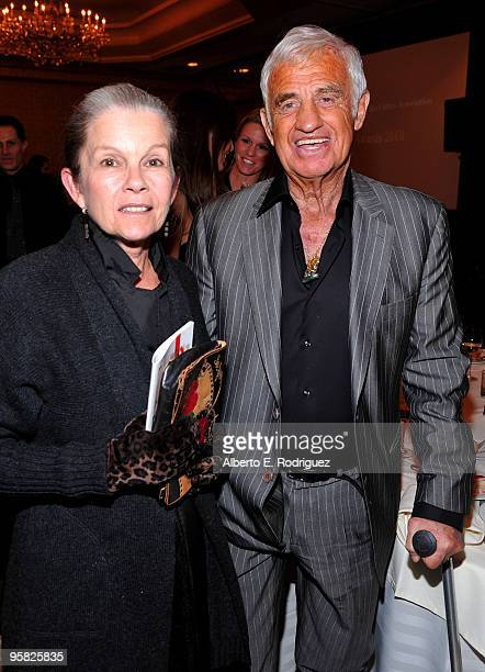Actress Genevieve Bujold and actor JeanPaul Belmondo attend the 35th Annual Los Angeles Film Critics Association Awards at the InterContinental Hotel...