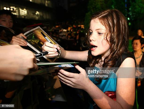 Actress Georgie Henley signs autographs for her fans during The Chronicles of Narnia Prince Caspian Japan Premiere at Roppongi Hills Arena on May 20...