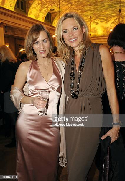 Actress Gesine Cukrowski and TV hostess Nina Ruge attend the Corine Award 2008 at the Prinzregententheater on November 4 2008 in Munich Germany The...