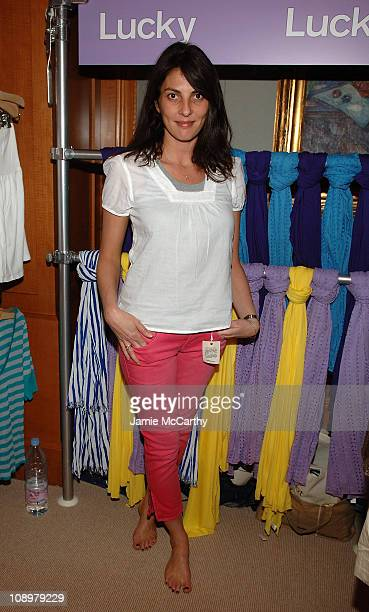 Actress Gina Bellman poses at Madewell during the Fifth Annual LUCKY CLUB on May 13 2008 in New York City