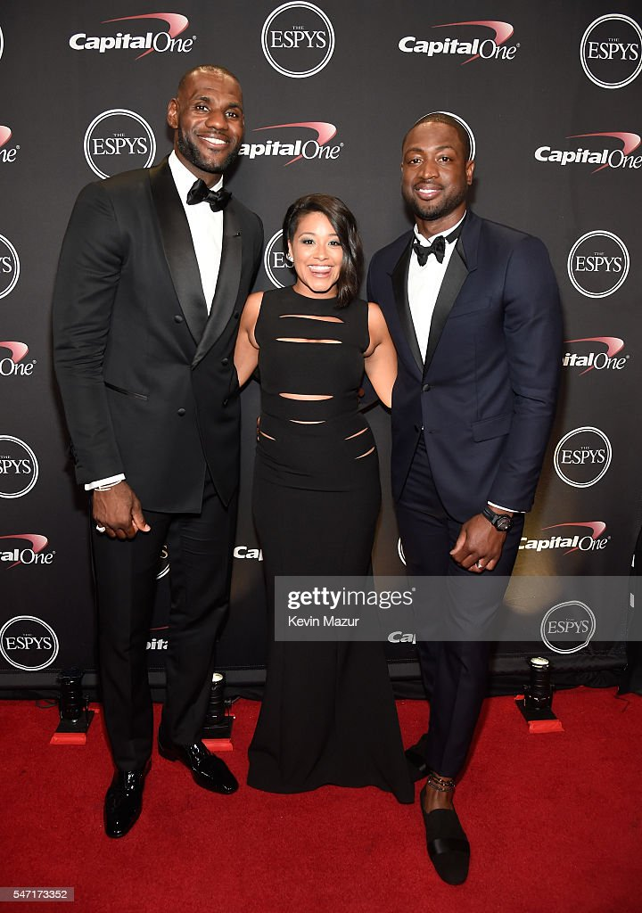 Actress Gina Rodriguez (C) poses with NBA players LeBron James (L) and Dwyane Wade backstage during the 2016 ESPYS at Microsoft Theater on July 13, 2016 in Los Angeles, California.