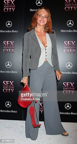 "Actress Giuliana De Sio attends the Italian premiere of ""Sex and the City: The Movie"" at Warner Moderno Cinema on May 29, 2008 in Rome, Italy."