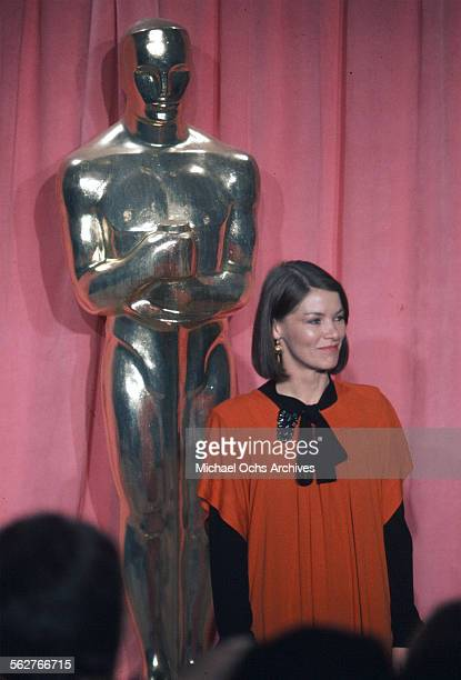 Actress Glenda Jackson poses backstage after presenting Best Actor award during the 47th Academy Awards at Dorothy Chandler Pavilion in Los...