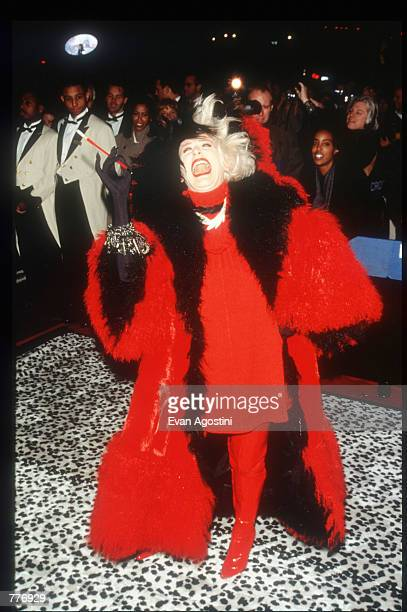 Actress Glenn Close makes a funny face at the premiere of the film 101 Dalmatians November 18 1996 in New York City Close plays the role of Cruella...