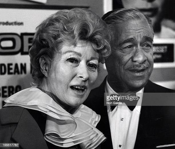 Actress Greer Garson and husband Buddy Fogelson attend the premiere of Airport on March 19 1970 at the Hollywood Pacific Theater in Hollywood...