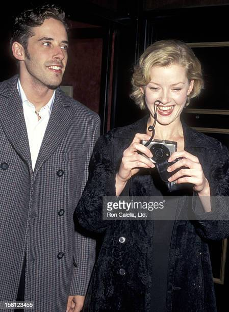 Actress Gretchen Mol and date attend the 'Jackie Brown' New York City Premiere on December 8 1997 at Ziegfeld Theater in New York City New York
