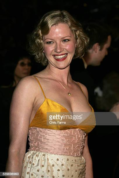 Actress Gretchen Mol arrives at the Vanity Fair Academy Awards® party at Mortons restaurant