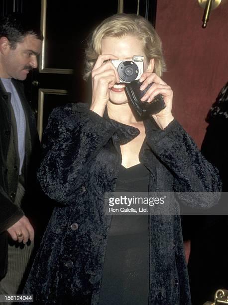 Actress Gretchen Mol attends the 'Jackie Brown' New York City Premiere on December 8 1997 at Ziegfeld Theater in New York City New York