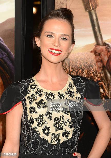 Actress Gwendoline Taylor Attends The Spartacus War Of The Damned Premiere At Regal Cinemas