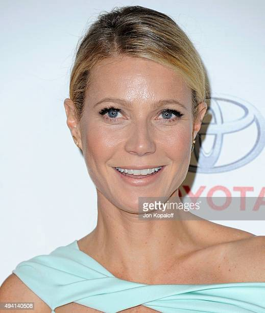 Actress Gwyneth Paltrow arrives at Environmental Media Association Hosts Its 25th Annual EMA Awards Presented By Toyota And Lexus at Warner Bros...
