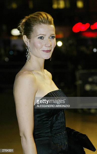 US actress Gwyneth Paltrow arrives for the premiere of the film Sylvia at the Odeon Leicester Square London 06 November 2003 The film portrays the...