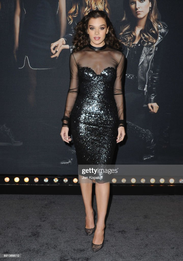 Actress Hailee Steinfeld attends the Los Angeles Premiere 'Pitch Perfect 3' at the Dolby Theatre on December 12, 2017 in Hollywood, California.