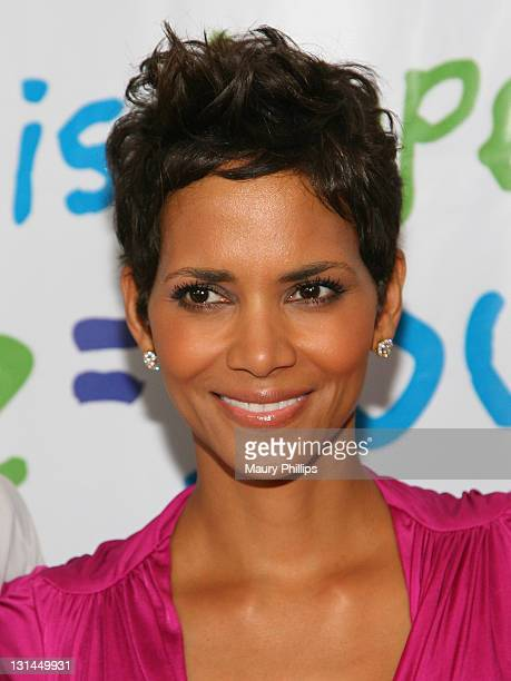 Actress Hale Berry arrives at the Silver Rose Gala And Auction at Beverly Hills Hotel on April 17, 2011 in Beverly Hills, California.