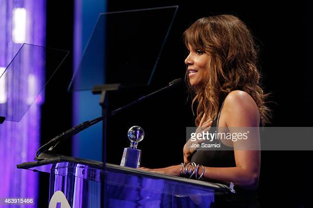 Actress Halle Berry accepts the Creative Conscience Award onstage at the 2nd Annual unite4humanity presented by ALCATEL ONETOUCH at the Beverly...