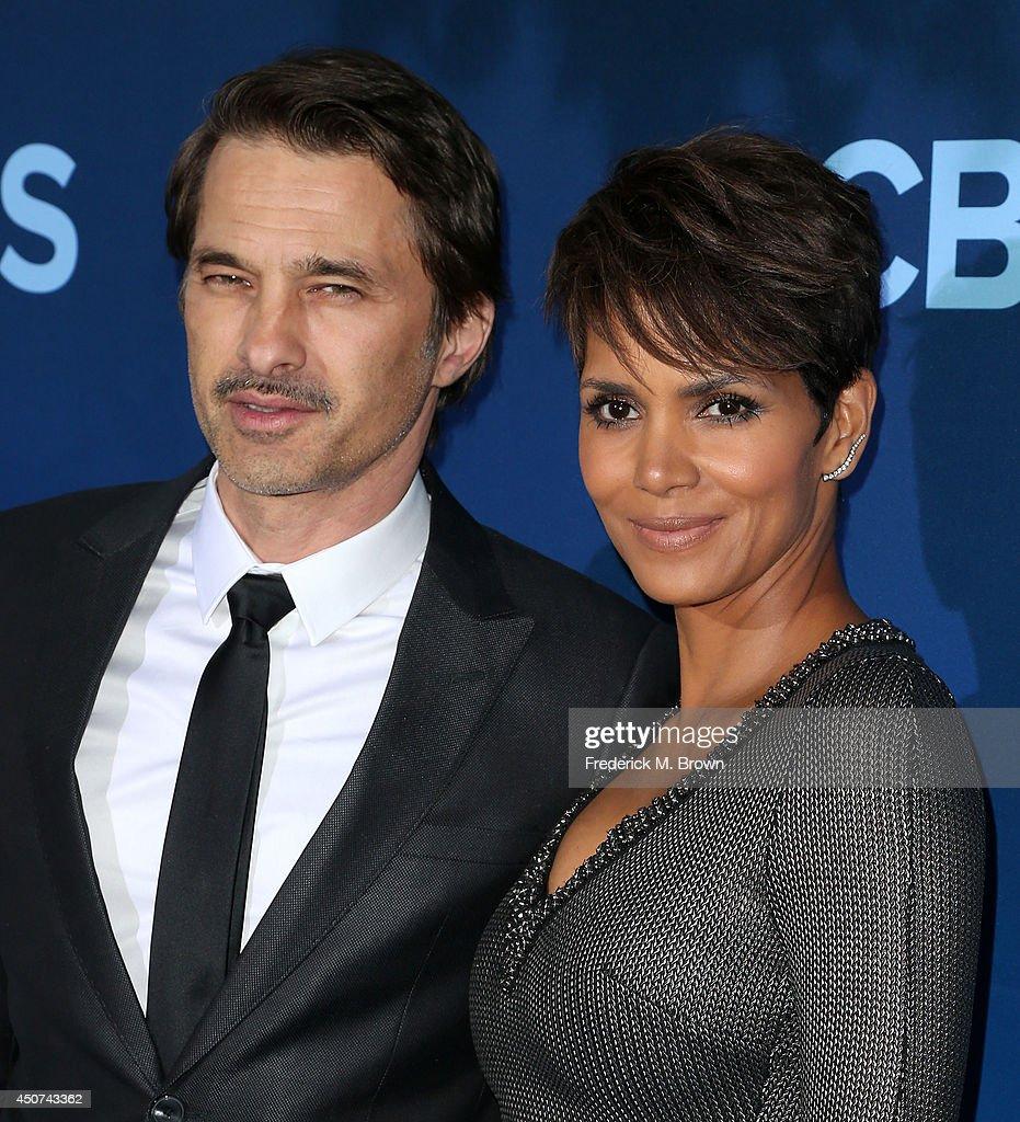 "CBS Television Studios & Amblin Television's ""Extant"" Premiere - Arrivals : News Photo"
