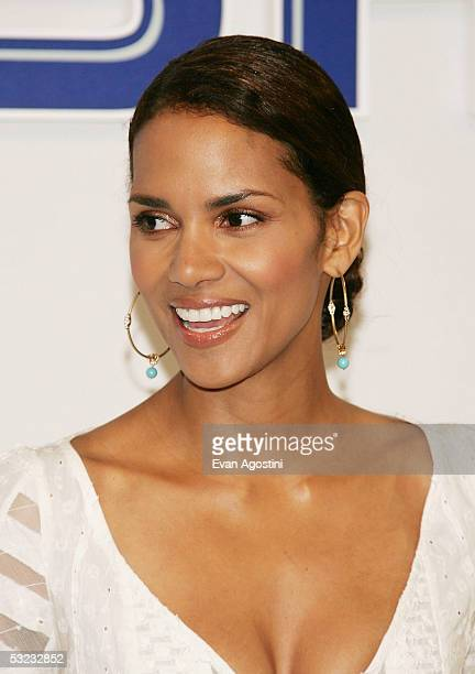 Actress Halle Berry and OralB present a $150000 donation to the American Heart Association to celebrate the launch of the new OralB Pulsar toothbrush...