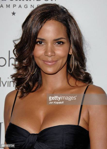 """Actress Halle Berry arrives at """"Elle Magazine's 15th Annual Women in Hollywood Tribute"""" at the Four Seasons Hotel on October 6, 2008 in Beverly..."""