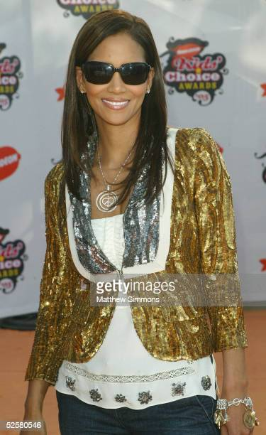 Actress Halle Berry arrives at the 18th Annual Kids Choice Awards at UCLA's Pauley Pavillion on April 2 2005 in Westwood California