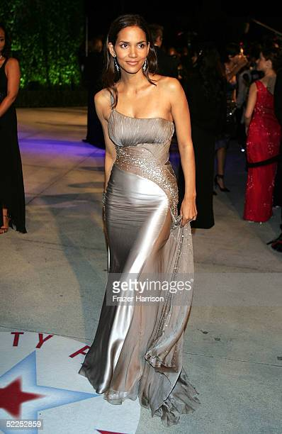 Actress Halle Berry arrives at the Vanity Fair Oscar Party at Mortons on February 27 2005 in West Hollywood California