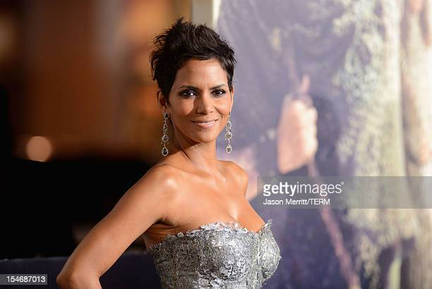 """Actress Halle Berry arrives at Warner Bros. Pictures' """"Cloud Atlas"""" premiere at Grauman's Chinese Theatre on October 24, 2012 in Hollywood,..."""