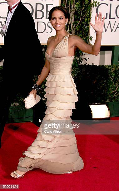 Actress Halle Berry arrives to the 62nd Annual Golden Globe Awards at the Beverly Hilton Hotel January 16 2005 in Beverly Hills California
