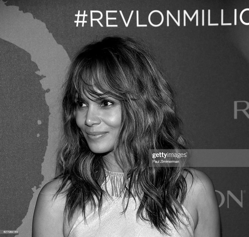 Actress Halle Berry attends Revlon's 2nd Annual Love Is On Million Dollar Challenge Finale Party Glasshouses on December 1, 2016 in New York City.