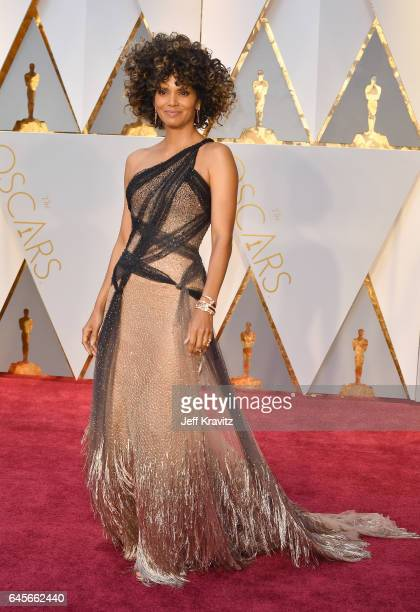 Actress Halle Berry attends the 89th Annual Academy Awards at Hollywood Highland Center on February 26 2017 in Hollywood California