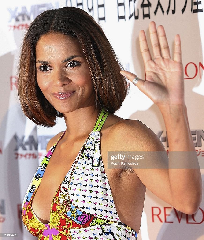 Actress Halle Berry attends the premiere of the movie 'X-Men: The Last Stand' on July 14, 2006 in Tokyo, Japan. The film will open in Japan in September.