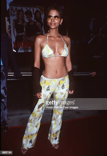 """Actress Halle Berry attends the premiere of the new movie """"X-Men"""" July 12, 2000 at Ellis Island, NY."""