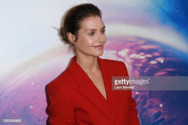 """Actress Hannah Ware attends the Premiere Of Hulu's """"The First"""" at California Science Center on September 12, 2018 in Los Angeles, California."""