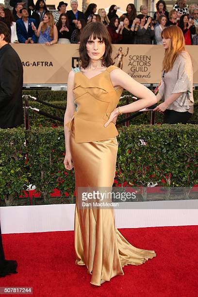 Actress Hari Nef attends the 22nd Annual Screen Actors Guild Awards at The Shrine Auditorium on January 30, 2016 in Los Angeles, California.