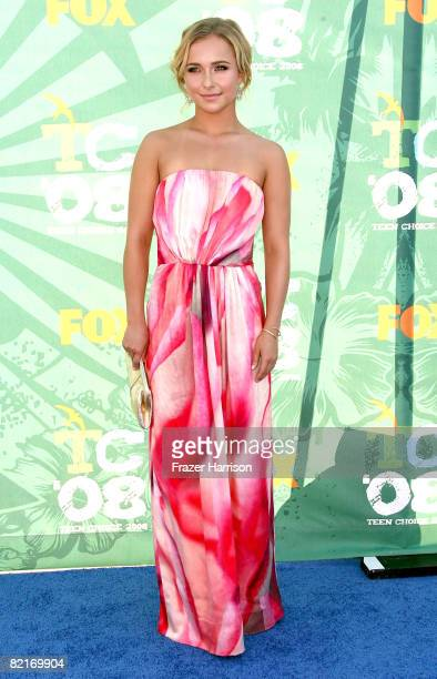 Actress Hayden Panettiere arrives at the 2008 Teen Choice Awards at Gibson Amphitheater on August 3 2008 in Los Angeles California
