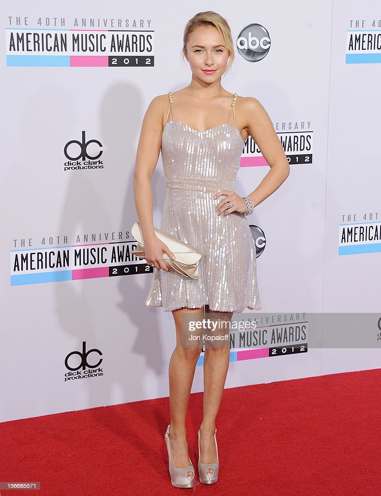 Actress Hayden Panettiere arrives at The 40th American Music Awards at Nokia Theatre L.A. Live on November 18, 2012 in Los Angeles, California.