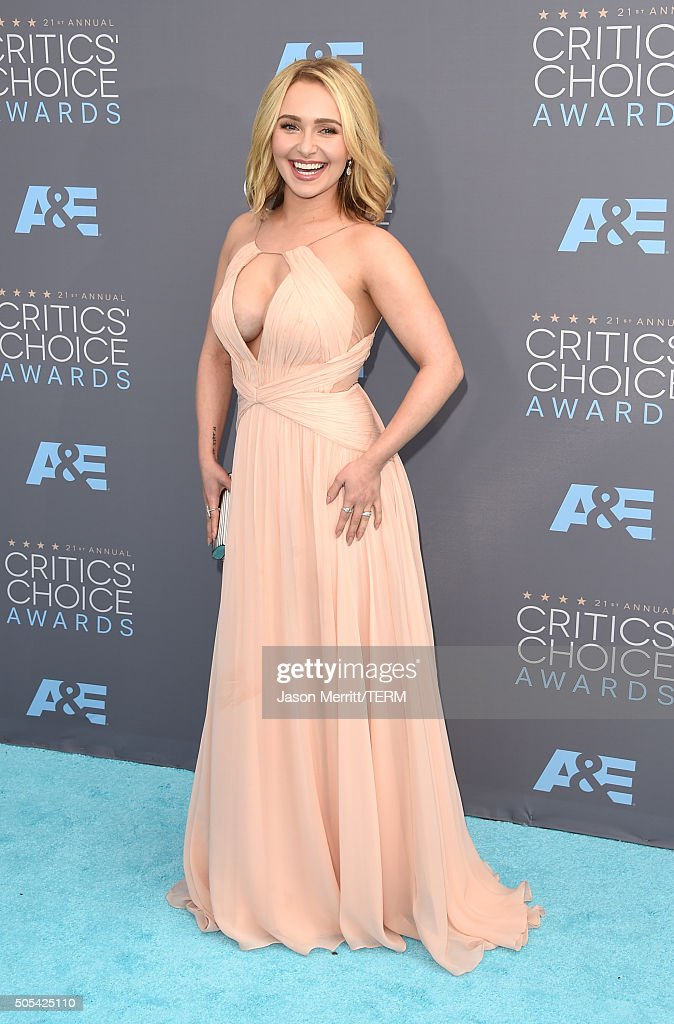 Actress Hayden Panettiere attends the 21st Annual Critics' Choice Awards at Barker Hangar on January 17, 2016 in Santa Monica, California.