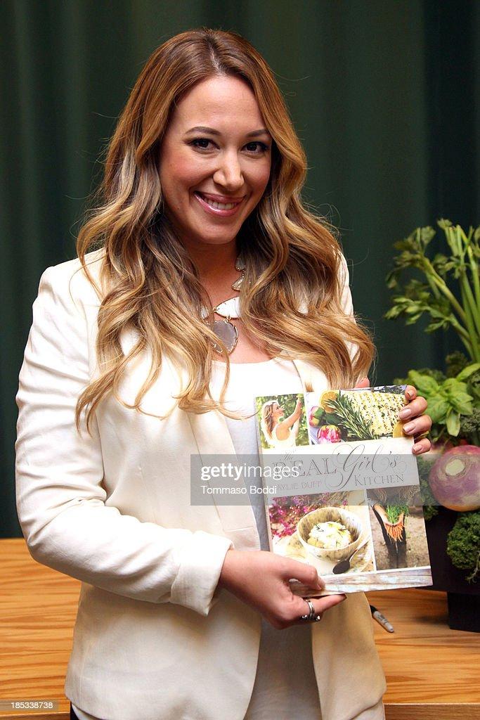 Haylie Duff Signs Copies Of Her New Cookbook