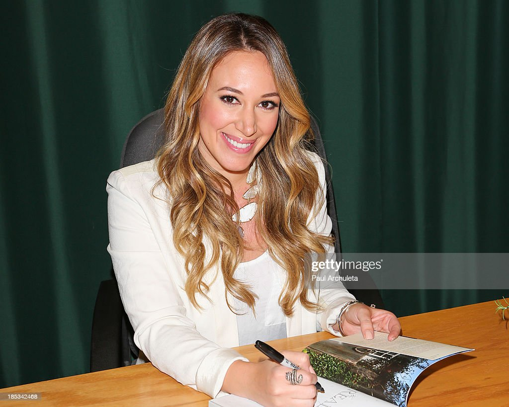 actress haylie duff signs copies of her new cookbook the real girls kitchen at - Real Girls Kitchen