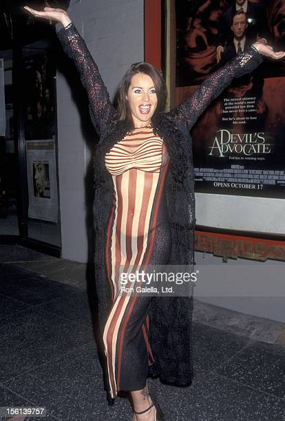 Actress Heather Elizabeth Parkhurst attends the 'Hacks' Hollywood Premiere on October 28 1997 at Mann's Chinese Theatre in Hollywood California