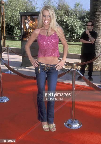 Actress Heather Elizabeth Parkhurst attends 'The Mummy Returns' Universal City Premiere on April 29 2001 at Universal Amphitheatre in Universal City...