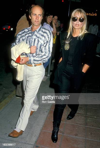 Actress Heather Thomas and date Harry M Brittenham on May 12 1988 dining at the Pips Club in los Angeles California