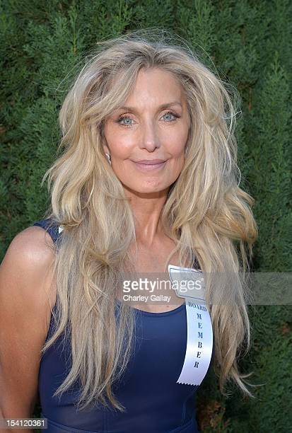 Actress Heather Thomas arrives at the Rape Treatment Center Brunch honoring Norman Lear hosted by Viola Davis at a Private Residence on October 14...