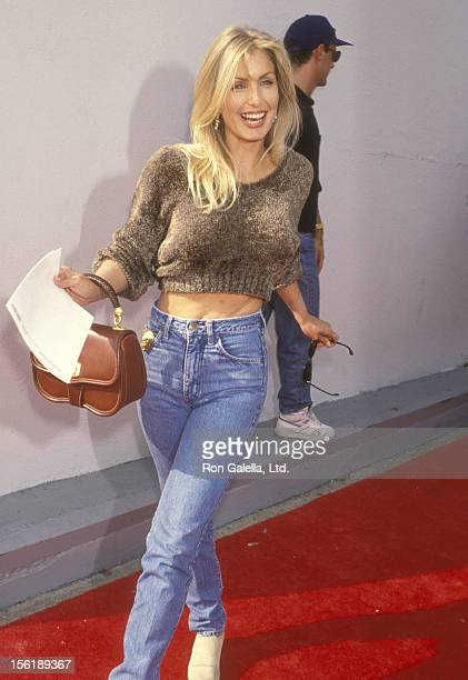Actress Heather Thomas attends the 'Aladdin' Hollywood Premiere on November 8 1992 at El Capitan Theatre in Hollywood California